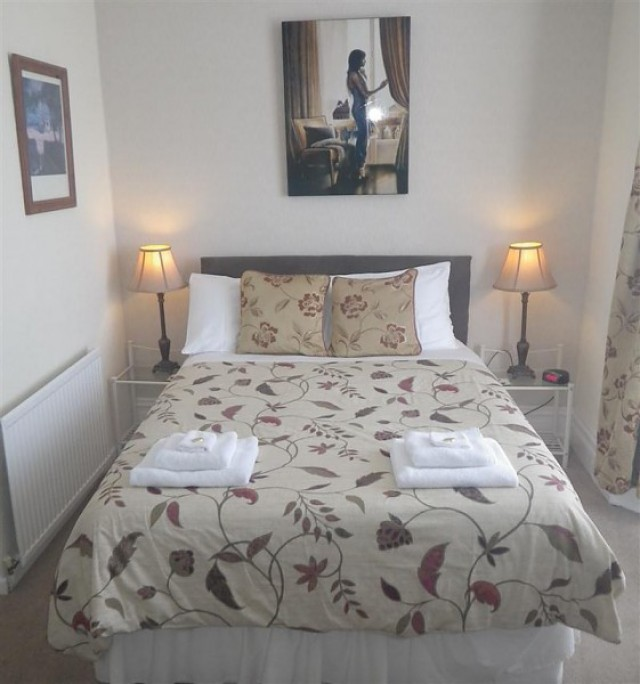 Double Room with En-Suite - Single Occupancy