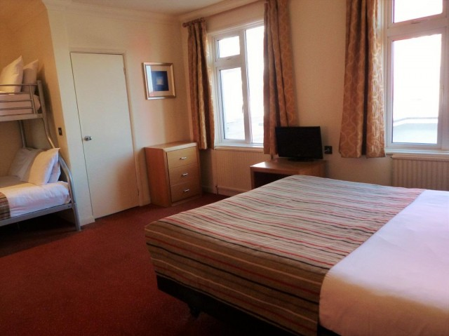 Family En-Suite ( 2 Adults & 2 or 3 Children )