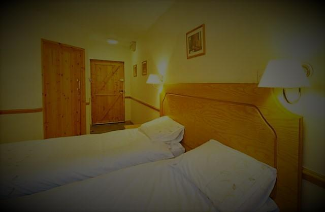 Double en-suite Room (two adults including breakfast)