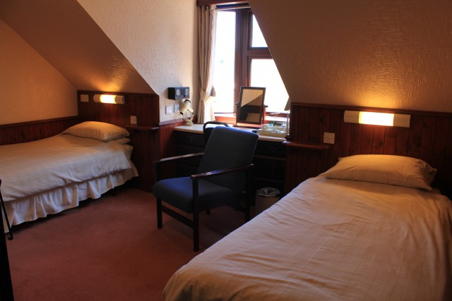 Twin Room Ensuite with Single Occupancy (inc. Breakfast)