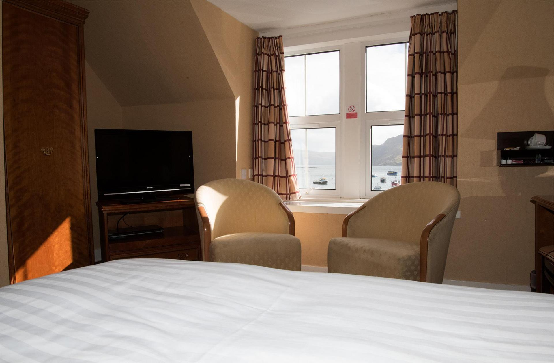 Twin En-suite Room, 2nd Floor, Harbour View (inc. Full Cooked Breakfast)