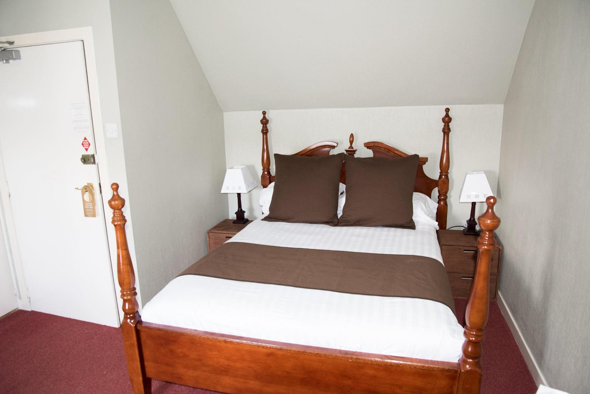 Double En-suite Room Upper Floor Harbour View (inc Full Cooked Breakfast)