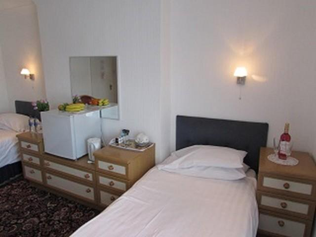Twin Room En-suite Plus Extra Single Bed (room Only)