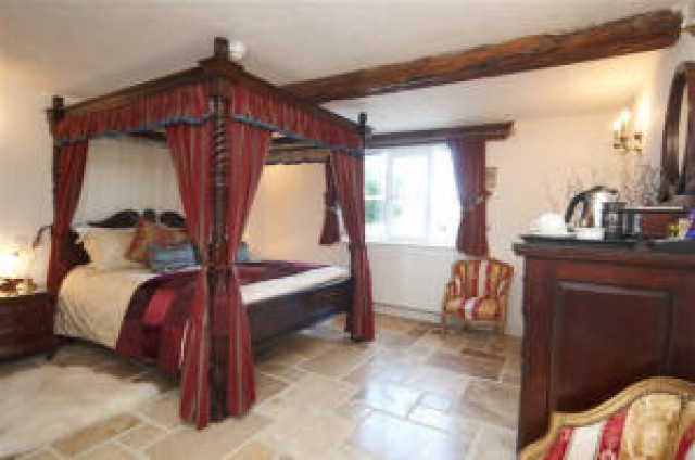 Four Poster Bed Drapes four poster bed curtains drapes images