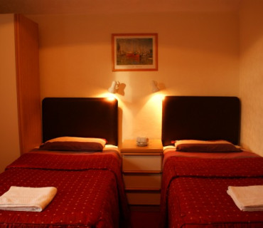 Twin Room En Suite (inc. Breakfast)
