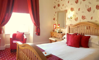 Room 5 - King size double room with en-suite facilities (including breakfast).