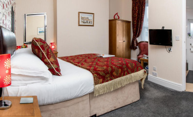 Room 1 - Ground Floor Double with En-suite (including breakfast)