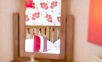Room 4 - Sea View Twin with EnSuite (including Breakfast)