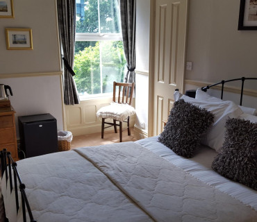 Room 2 - Double En-suite Room (inc Breakfast)