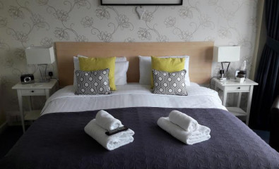 Sea View Double En-Suite Room With Balcony 2 adults ( inc Breakfast )