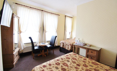 Family En-suite Room (inc. Breakfast)(child Over 2-11