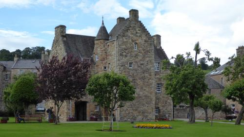 Jedburgh Queen Marys House.JPG_1536935780