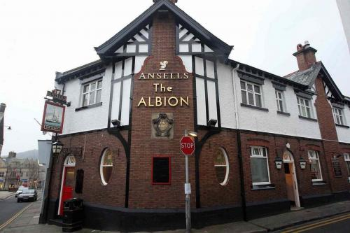 The-Albion-in-Conwy-2JPG.jpg_1540661006