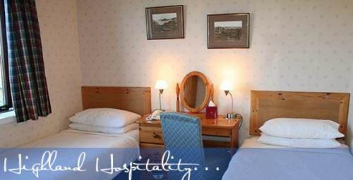 Small Twin En-suite Room (inc. Breakfast)