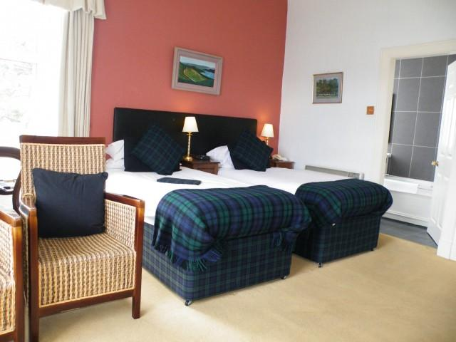 Sea View Twin En-suite Room (inc breakfast)