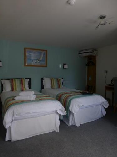 Twin Room En-suite (inc Breakfast)