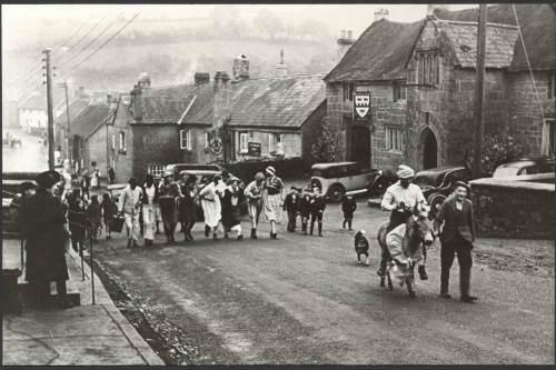 Ox Thatched 1940s.jpg_1578178961
