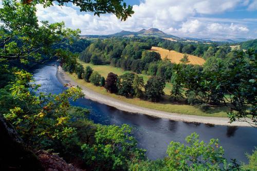 River Tweed Laurie Campbell(2).jpg_1552040361