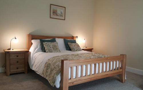 Y Llwchwr Single Occupancy King En-suite (Wetroom) Room inc. Breakfast