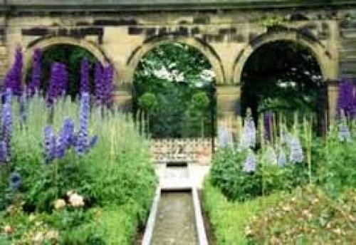 Alnwick Garden.jpg_1543426687