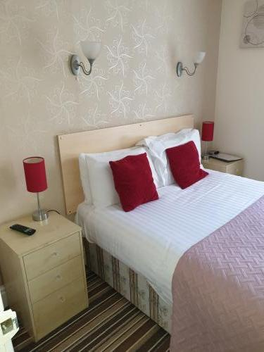 Double En-suite Room With Single Occupancy (inc Breakfast) From £40 To 60.00