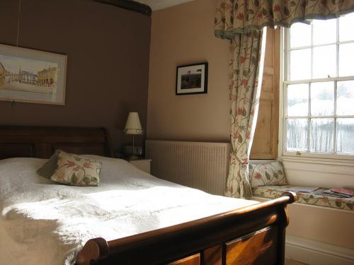 Monmouth King En-Suite Room