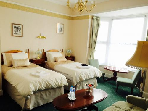 Superior Twin/Double Room (inc. Breakfast)