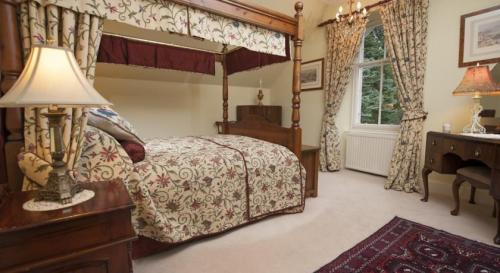Trantor Suite - King Sized Four Poster