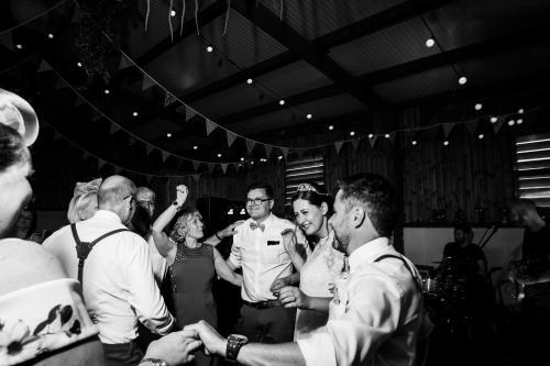 MATT-AND-LAURA-WEDDING-PHOTOS-662.jpg_1590517025