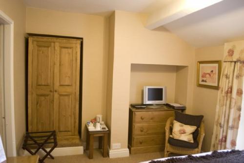 Small Double En-suite