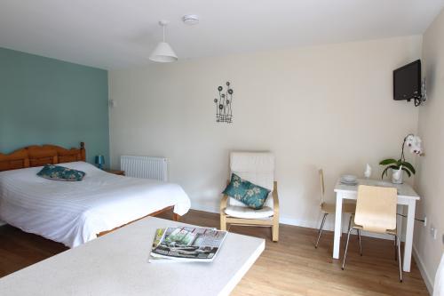 bedroom and living studio 2.jpg