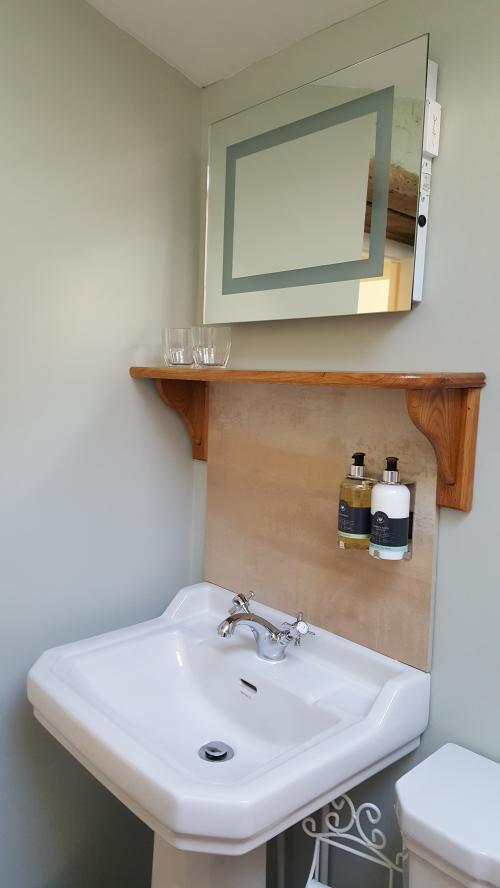 Y Llwchwr Double Occupancy King En-suite (Wetroom) Room inc. Breakfast