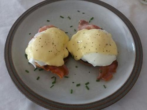 Eggs Benedict_resized 400x.jpg