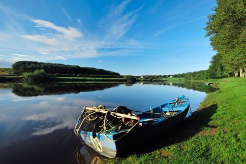 River TweedLaurie Campbell (1).jpg_1552040393