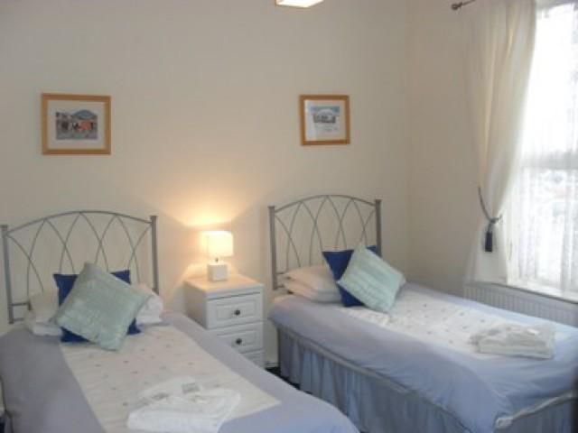 Twin, Room 2 En-suite (inc. Breakfast)