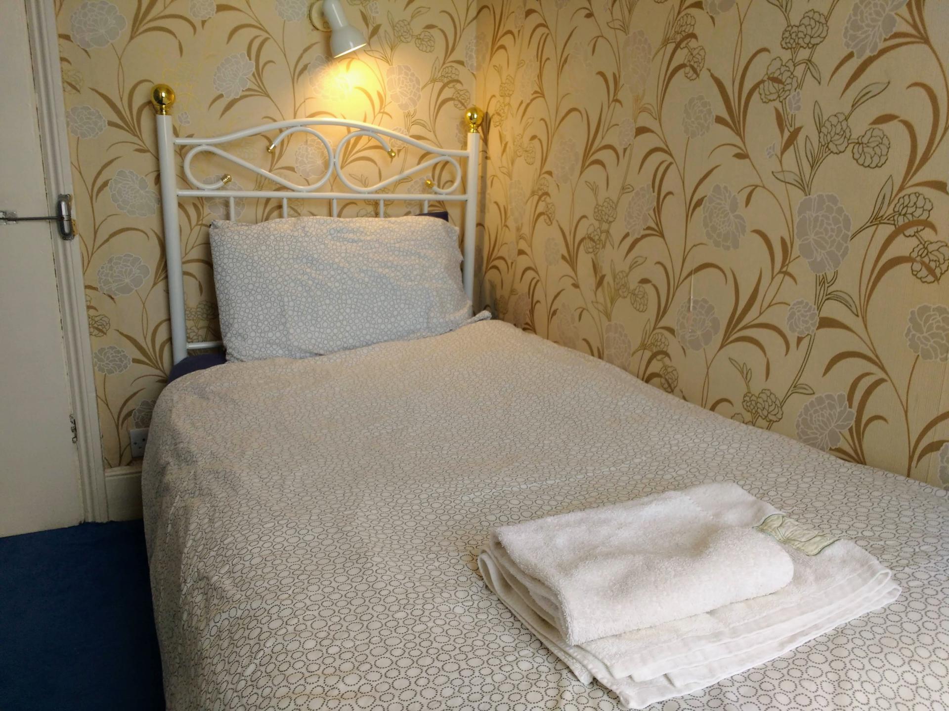 Single Room 6 non-ensuite