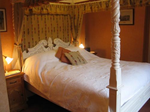 Doward King Four-Poster En-Suite Room
