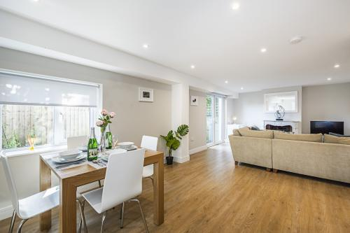 Hiikots Homes - South Woodford