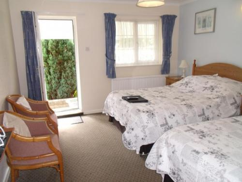 Family Room 6 (inc. Breakfast & En-suite)