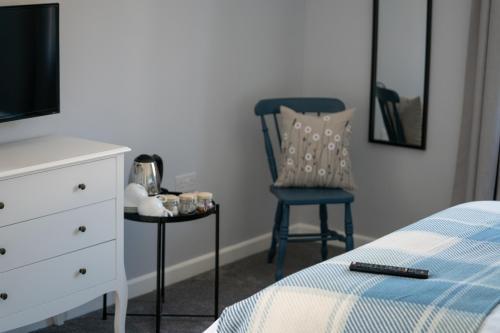 Room 6 New (2).jpg_1578495030