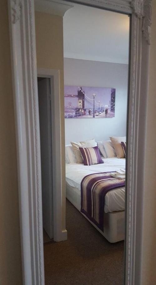 super King Size En-suite Room