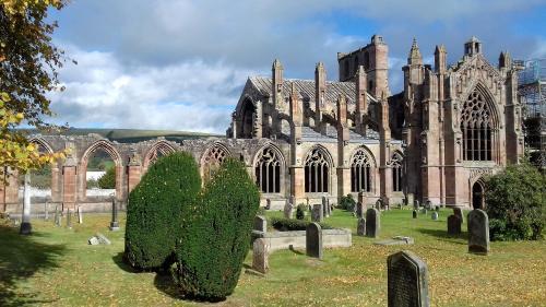 Melrose Abbey (16).jpg_1538923933