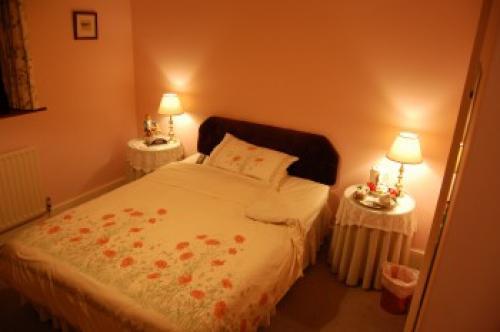 Double En-suite Room -pink Room-week-end Saver