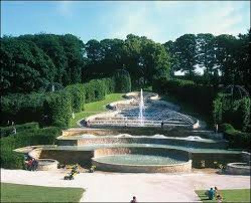Alnwick Garden 2.jpg_1543426698