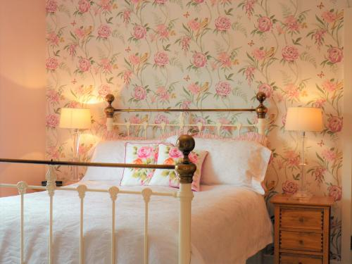 lily's guest room at sidmouth bed and breakfast, sidmouth