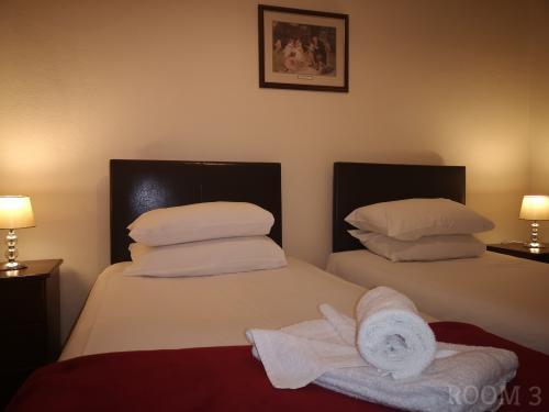 Twin En-suite Room (inc. Continental Breakfast)