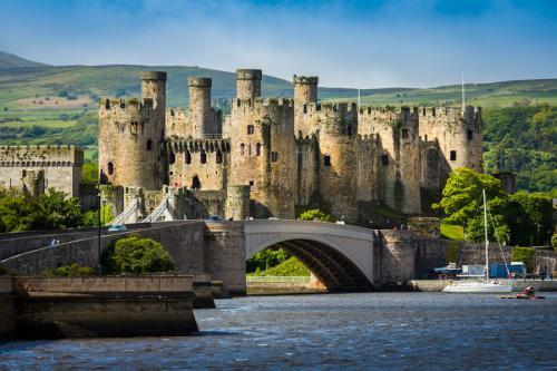 Conwy-Castle (1).jpg_1534266963