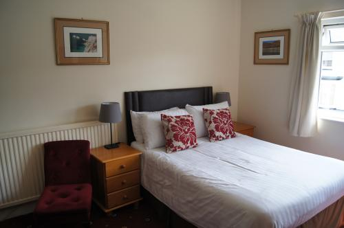 Family/ Triple En-suite Room (inc. Breakfast)