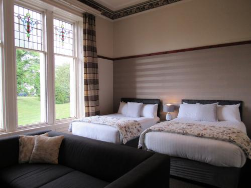 6.Family room ( two double beds )
