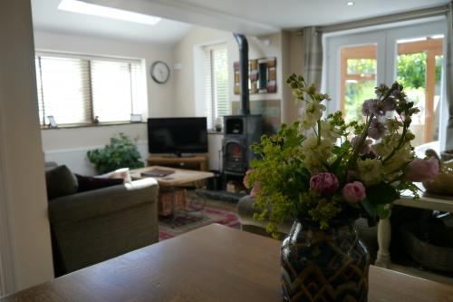 Good lounge (2).JPG_1561645344